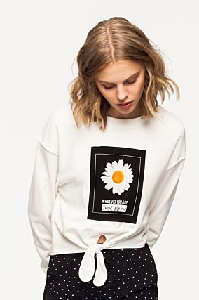 White Sweatshirt with Knot Front