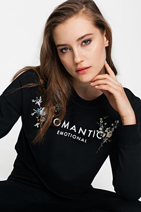 Black Cropped Sweatshirt with Print
