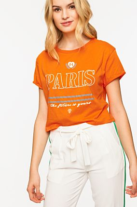 Orangefarbenes Crop-Top mit Slogan